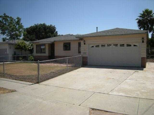 Main Photo: EAST ESCONDIDO House for sale : 3 bedrooms : 619 Midway in Escondido