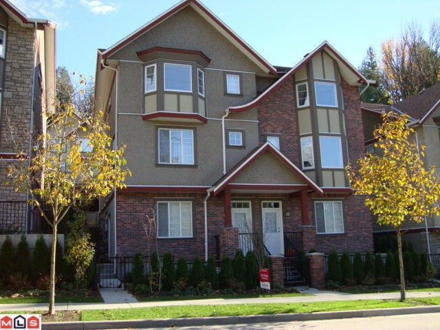 "Main Photo: 4 35626 MCKEE Road in Abbotsford: Abbotsford East Townhouse for sale in ""LEDGEVIEW VILLAS"" : MLS® # F1027269"