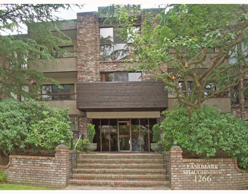 "Main Photo: 102 1266 W 13TH Avenue in Vancouver: Fairview VW Condo for sale in ""LANDMARK SHAUGHNESSY"" (Vancouver West)  : MLS®# V777967"