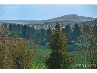 Photo 3: LUXURY REAL ESTATE FOR SALE IN DEAN PARK NORTH SAANICH, B.C. CANADA SOLD With Ann Watley