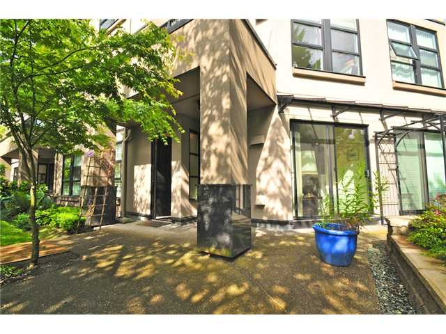 Main Photo: 116 2200 HIGHBURY Street in Vancouver: Point Grey Condo for sale (Vancouver West)  : MLS(r) # V834231