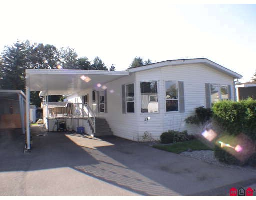 "Main Photo: 27A 24330 FRASER Highway in Langley: Otter District Manufactured Home for sale in ""Langley Grove Estates"" : MLS® # F2825559"