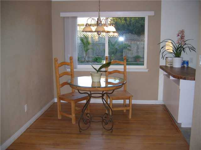 Photo 5: CLAIREMONT House for sale : 3 bedrooms : 3277 Mohican in San Diego