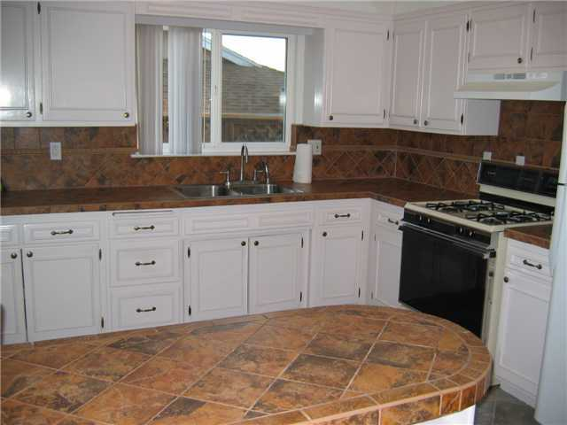 Photo 4: CLAIREMONT House for sale : 3 bedrooms : 3277 Mohican in San Diego