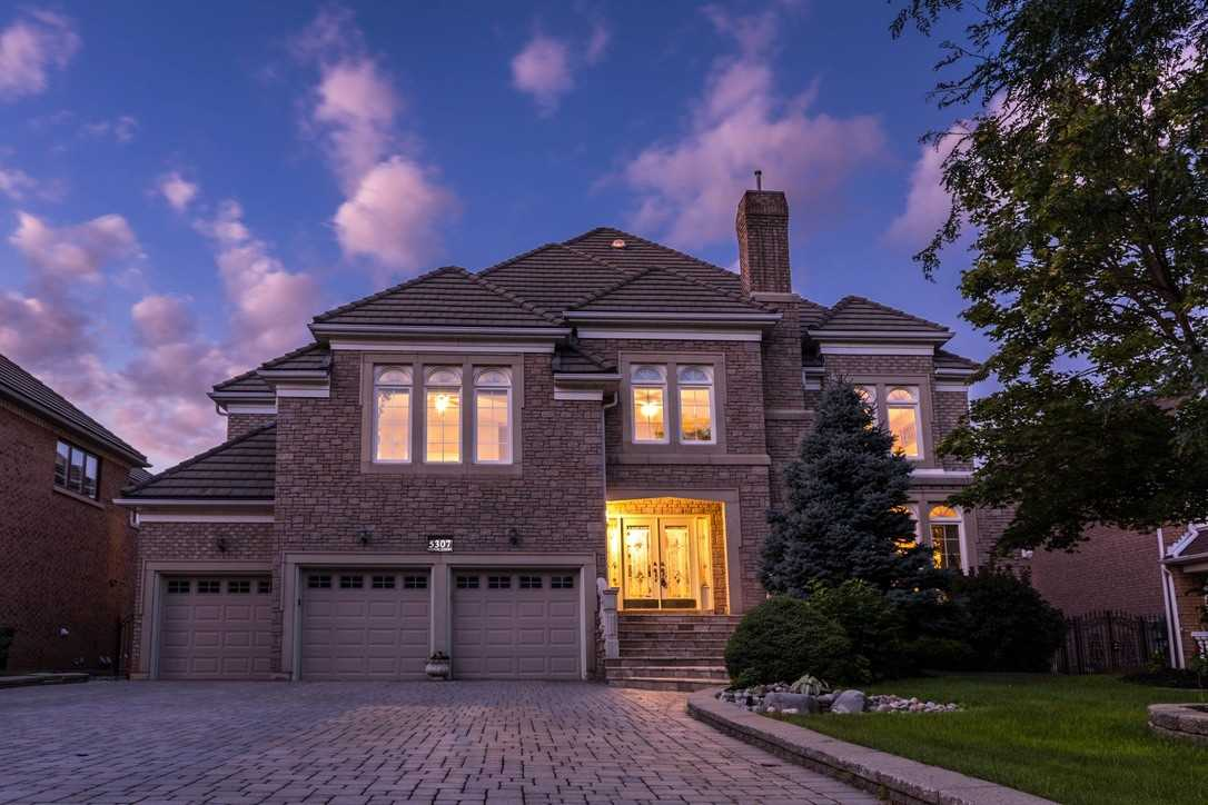 FEATURED LISTING: 5307 Hilton Court Mississauga