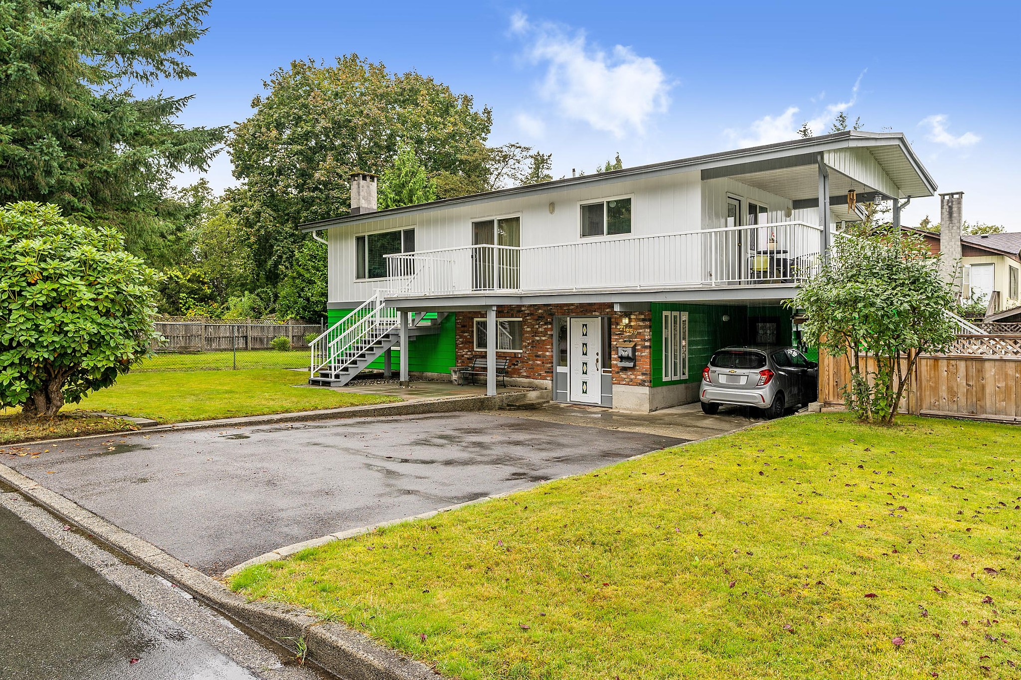 FEATURED LISTING: 21659 MANOR Avenue Maple Ridge