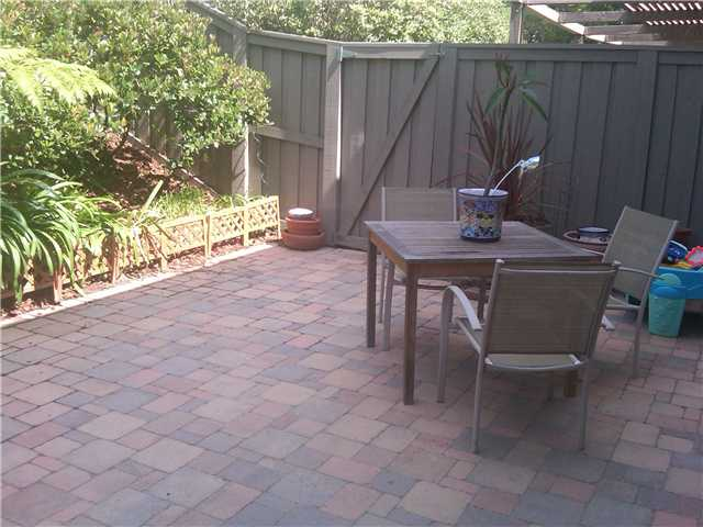 Photo 12: LA JOLLA Townhome for sale : 3 bedrooms : 3314 Caminito Vasto