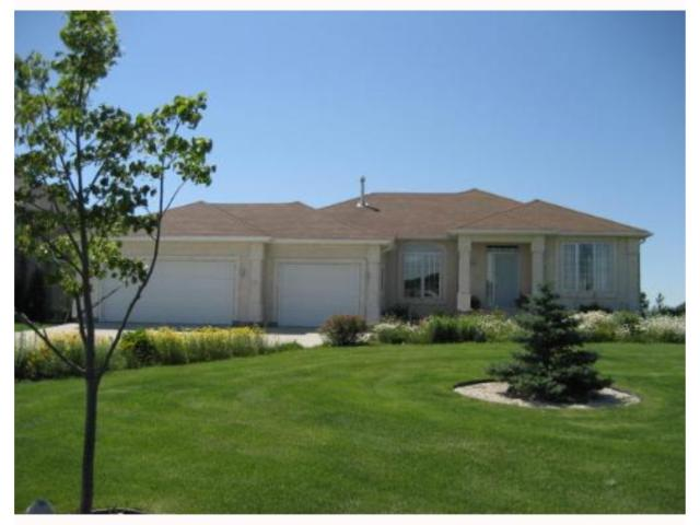 Main Photo: 32 OAKMONT Crescent in HEADINGLEY: Headingley South Residential for sale (South Winnipeg)  : MLS® # 2711837