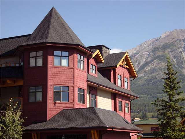 Main Photo: 201 1040 Railway Avenue: Canmore Condo for sale : MLS(r) # C3421209