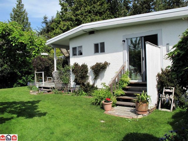 Photo 9: 13902 N BLUFF Road: White Rock House for sale (South Surrey White Rock)  : MLS(r) # F1014217