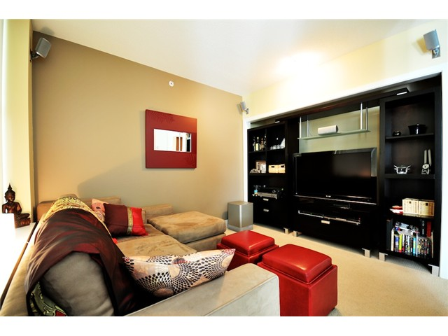 Photo 3: 106 1483 W 7TH Avenue in Vancouver: Fairview VW Townhouse  (Vancouver West)  : MLS(r) # V848899