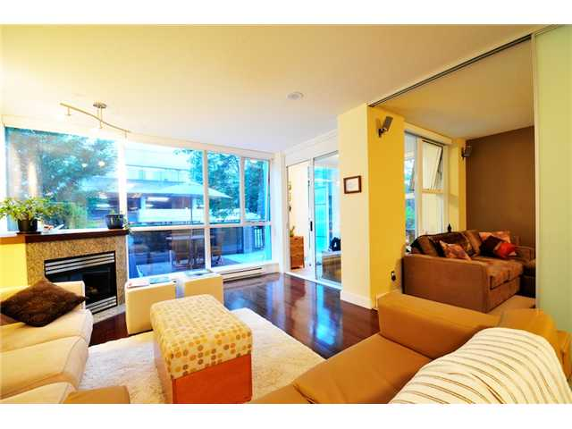 Photo 2: 106 1483 W 7TH Avenue in Vancouver: Fairview VW Townhouse  (Vancouver West)  : MLS(r) # V848899