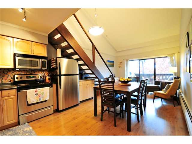 Photo 2: 314 1549 KITCHENER Street in Vancouver: Grandview VE Condo for sale (Vancouver East)  : MLS(r) # V856405