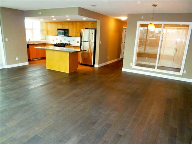 "Photo 3: 1206 120 MILROSS Avenue in Vancouver: Mount Pleasant VE Condo for sale in ""BRIGHTON"" (Vancouver East)  : MLS(r) # V858611"