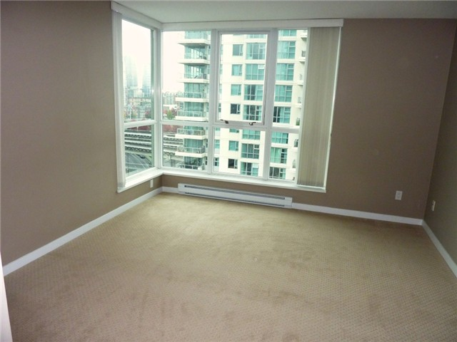 "Photo 6: 1206 120 MILROSS Avenue in Vancouver: Mount Pleasant VE Condo for sale in ""BRIGHTON"" (Vancouver East)  : MLS(r) # V858611"