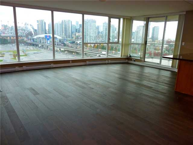 "Photo 2: 1206 120 MILROSS Avenue in Vancouver: Mount Pleasant VE Condo for sale in ""BRIGHTON"" (Vancouver East)  : MLS(r) # V858611"