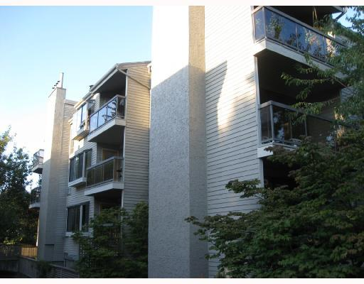 "Main Photo: 302 1875 W 8TH Avenue in Vancouver: Kitsilano Condo for sale in ""THE WESTERLY"" (Vancouver West)  : MLS®# V761961"
