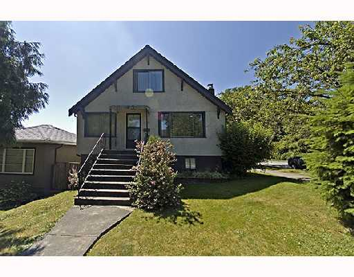 Main Photo: 904 E 13TH Avenue in Vancouver: Mount Pleasant VE House for sale (Vancouver East)  : MLS® # V791374