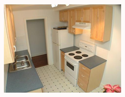 "Photo 6: 103 1545 W 13TH Avenue in Vancouver: Fairview VW Condo for sale in ""THE LEICESTER"" (Vancouver West)  : MLS® # V799945"