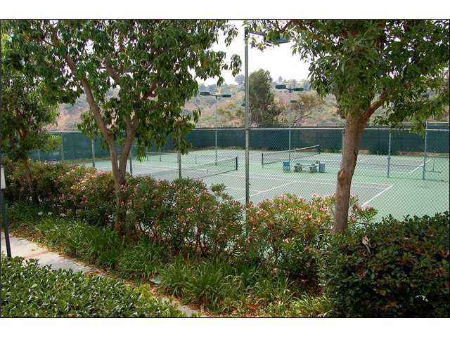 Photo 7: CLAIREMONT Townhome for sale : 2 bedrooms : 2747 Ariane #180 in San Diego