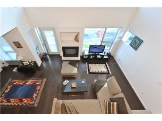 Main Photo: PH9 1288 CHESTERFIELD Avenue in North Vancouver: Central Lonsdale Condo for sale : MLS®# V855170