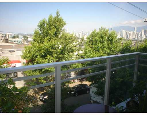Photo 7: 301 2520 MANITOBA Street in Vancouver: Mount Pleasant VW Condo for sale (Vancouver West)  : MLS(r) # V777212