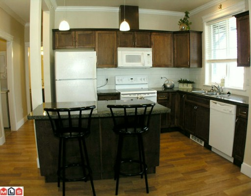 "Photo 2: 403 33338 MAYFAIR Avenue in Abbotsford: Central Abbotsford Condo for sale in ""The Sterling"" : MLS(r) # F1000665"