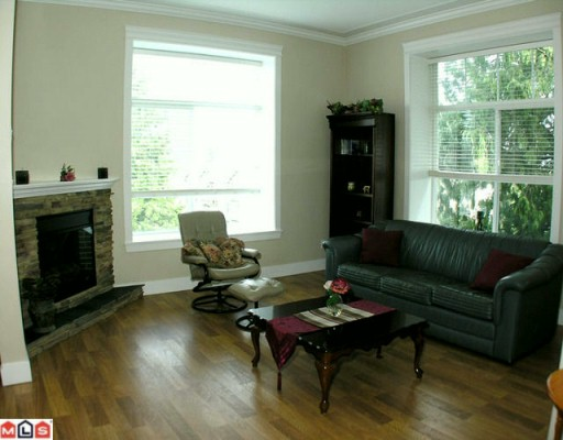 "Photo 4: 403 33338 MAYFAIR Avenue in Abbotsford: Central Abbotsford Condo for sale in ""The Sterling"" : MLS(r) # F1000665"