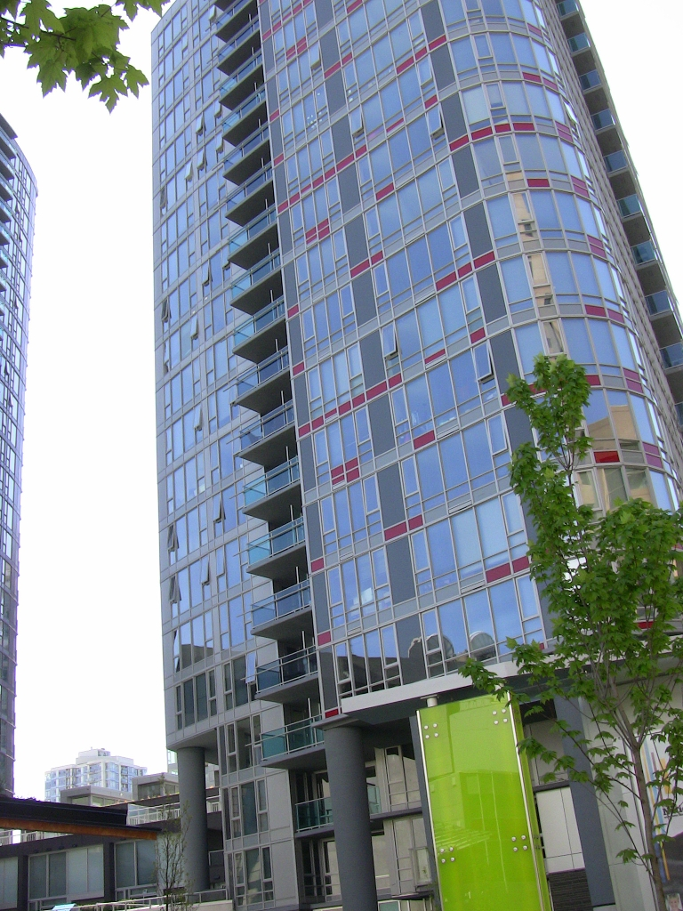 "Photo 12: 2202 788 HAMILTON Street in Vancouver: Downtown VW Condo for sale in ""TV TOWER I"" (Vancouver West)  : MLS(r) # V825585"