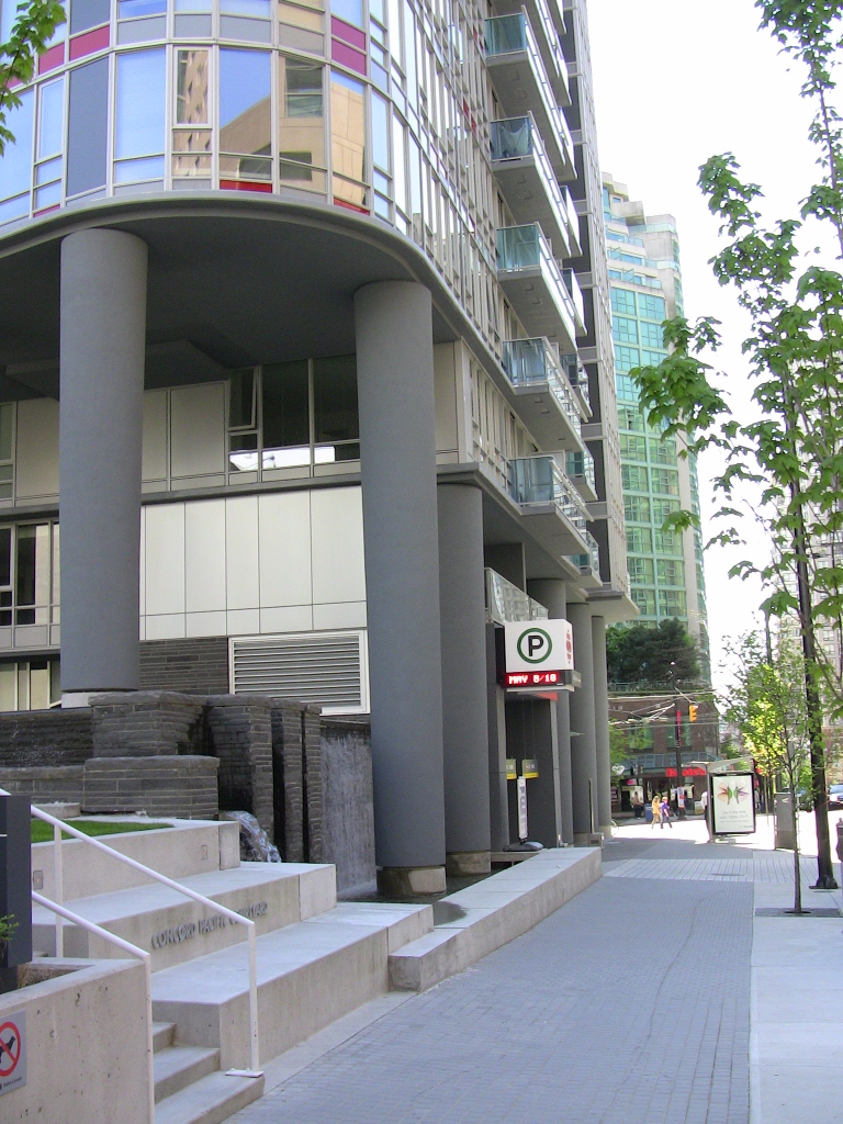 "Photo 11: 2202 788 HAMILTON Street in Vancouver: Downtown VW Condo for sale in ""TV TOWER I"" (Vancouver West)  : MLS(r) # V825585"