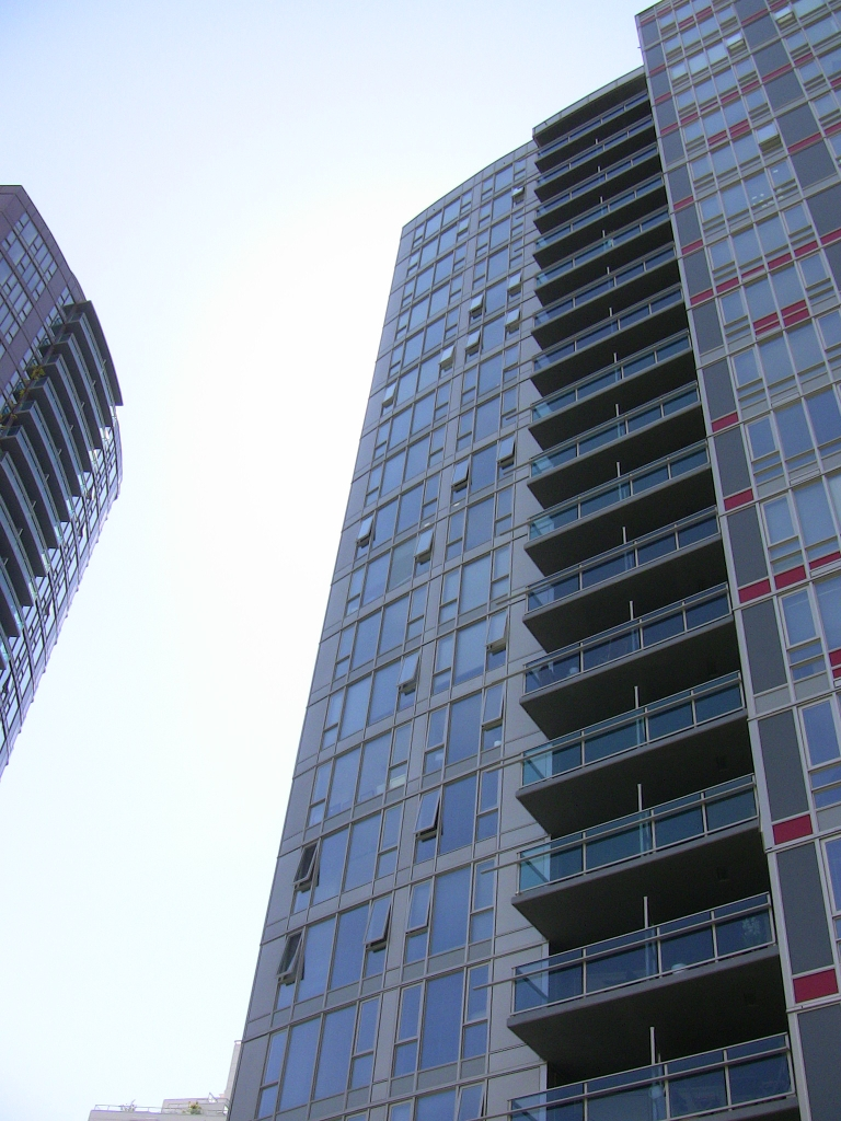 "Photo 13: 2202 788 HAMILTON Street in Vancouver: Downtown VW Condo for sale in ""TV TOWER I"" (Vancouver West)  : MLS(r) # V825585"