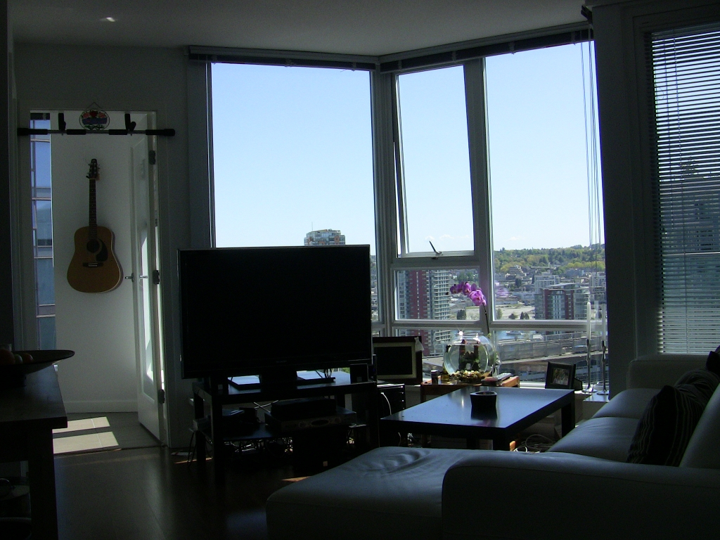 "Photo 14: 2202 788 HAMILTON Street in Vancouver: Downtown VW Condo for sale in ""TV TOWER I"" (Vancouver West)  : MLS(r) # V825585"