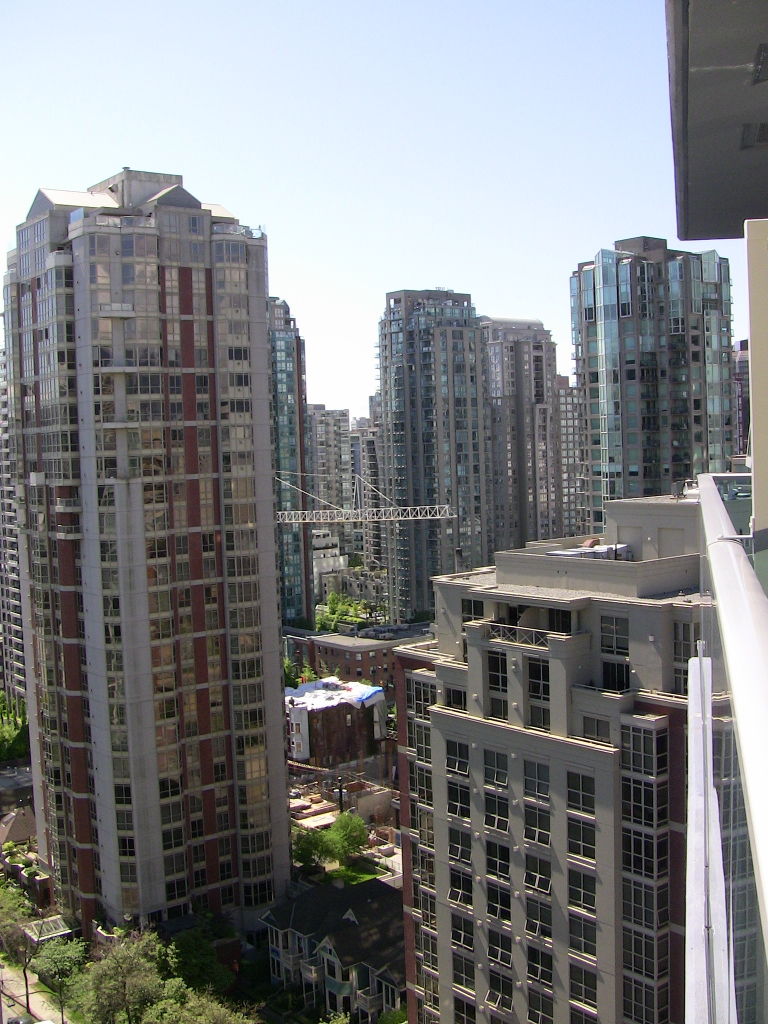 "Photo 24: 2202 788 HAMILTON Street in Vancouver: Downtown VW Condo for sale in ""TV TOWER I"" (Vancouver West)  : MLS(r) # V825585"