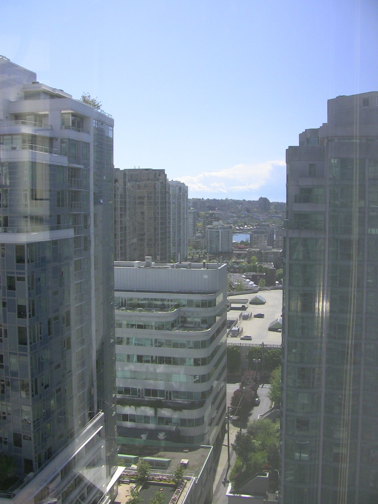 "Photo 21: 2202 788 HAMILTON Street in Vancouver: Downtown VW Condo for sale in ""TV TOWER I"" (Vancouver West)  : MLS(r) # V825585"