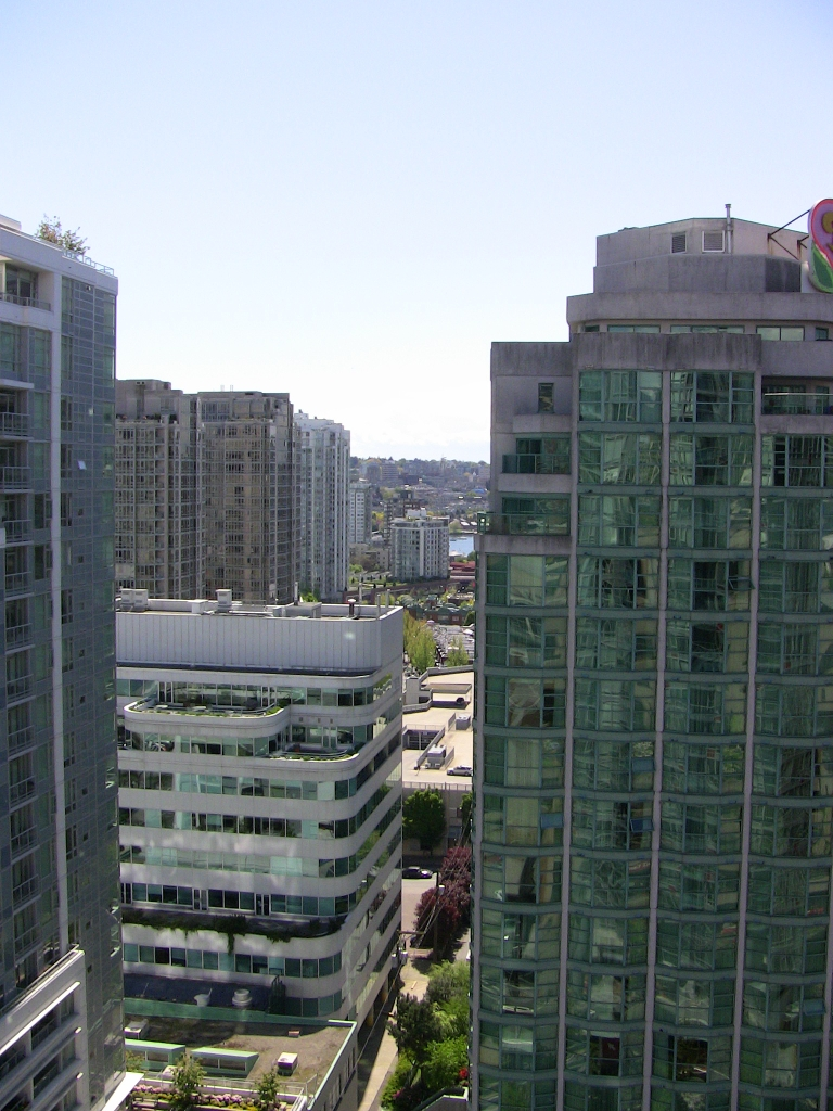 "Photo 23: 2202 788 HAMILTON Street in Vancouver: Downtown VW Condo for sale in ""TV TOWER I"" (Vancouver West)  : MLS(r) # V825585"