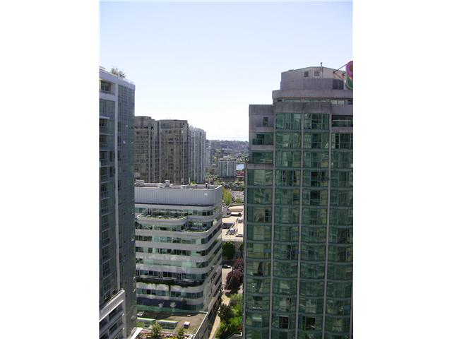 "Photo 5: 2202 788 HAMILTON Street in Vancouver: Downtown VW Condo for sale in ""TV TOWER I"" (Vancouver West)  : MLS(r) # V825585"