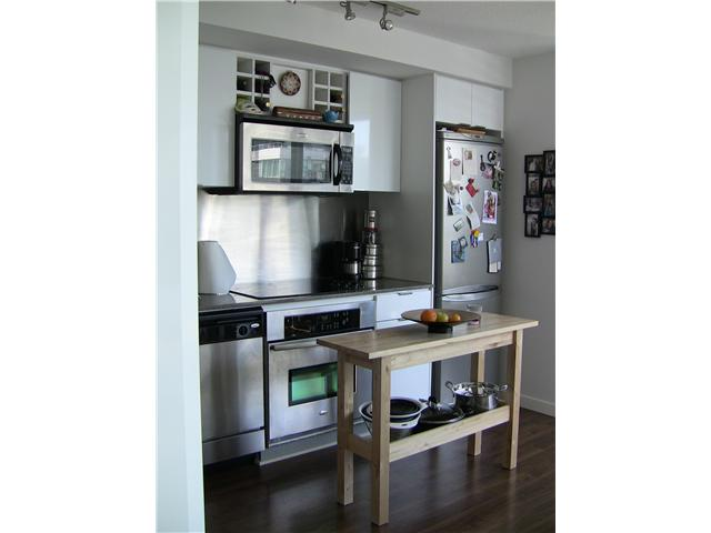 "Photo 26: 2202 788 HAMILTON Street in Vancouver: Downtown VW Condo for sale in ""TV TOWER I"" (Vancouver West)  : MLS(r) # V825585"