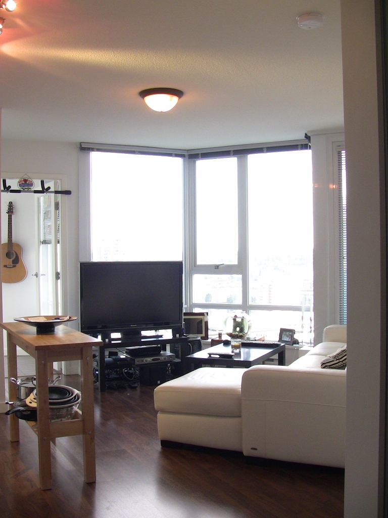 "Photo 33: 2202 788 HAMILTON Street in Vancouver: Downtown VW Condo for sale in ""TV TOWER I"" (Vancouver West)  : MLS(r) # V825585"