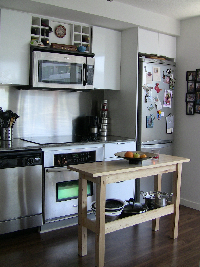 "Photo 7: 2202 788 HAMILTON Street in Vancouver: Downtown VW Condo for sale in ""TV TOWER I"" (Vancouver West)  : MLS(r) # V825585"