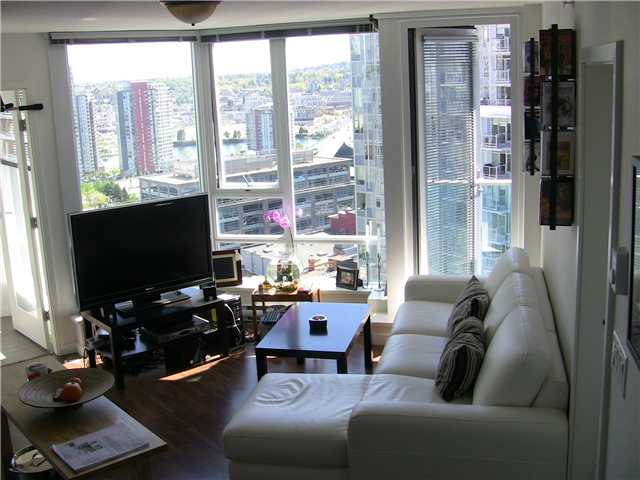 "Photo 28: 2202 788 HAMILTON Street in Vancouver: Downtown VW Condo for sale in ""TV TOWER I"" (Vancouver West)  : MLS(r) # V825585"