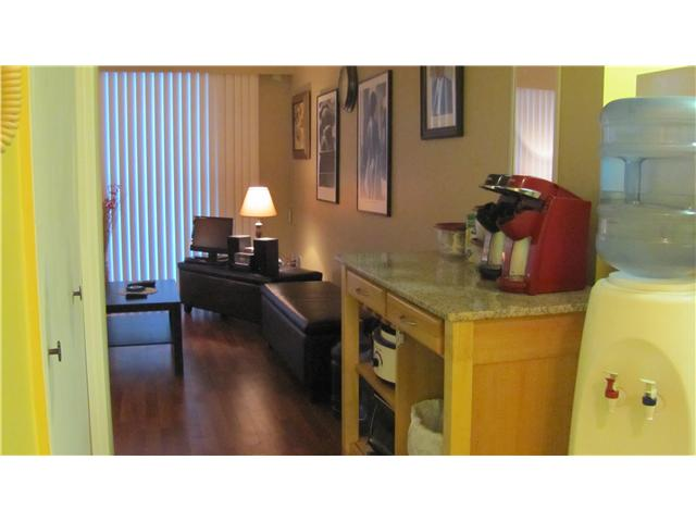 "Photo 7: 209 910 5TH Avenue in New Westminster: Uptown NW Condo for sale in ""ALDERCREST"" : MLS(r) # V837816"