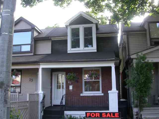 Main Photo: 21 Thyra Avenue in Toronto: House (2 1/2 Storey) for sale (E03: TORONTO)  : MLS®# E1434004