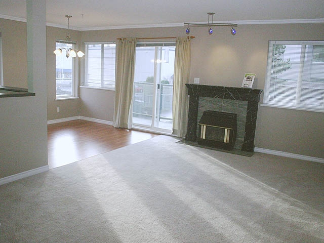 "Photo 5: 210 33668 KING Road in Abbotsford: Poplar Condo for sale in ""COLLEGE PARK"" : MLS® # F2833714"