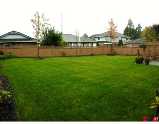 "Photo 10: 3357 198TH Street in Langley: Brookswood Langley House for sale in ""MEADOWBROOK"" : MLS(r) # F2903404"