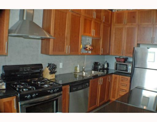 Photo 2: 408 2635 PRINCE EDWARD Street in Vancouver: Mount Pleasant VE Condo for sale (Vancouver East)  : MLS(r) # V766689