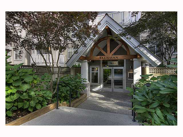 "Main Photo: 102 1420 PARKWAY Boulevard in Coquitlam: Westwood Plateau Condo for sale in ""THE MONTREAUX"" : MLS® # V792954"