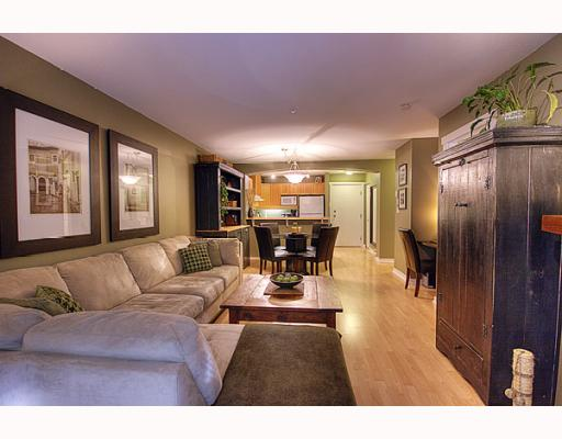 "Photo 4: 102 1420 PARKWAY Boulevard in Coquitlam: Westwood Plateau Condo for sale in ""THE MONTREAUX"" : MLS(r) # V792954"