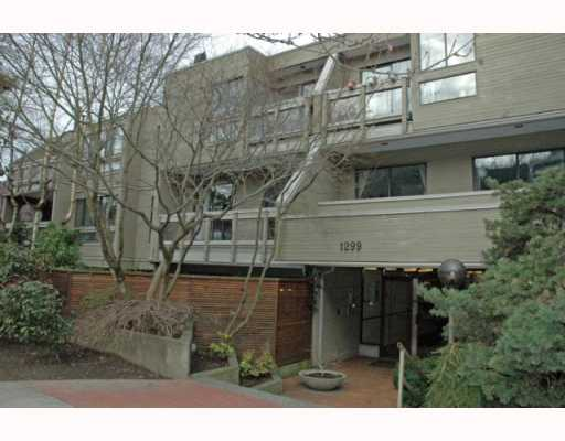 Main Photo: 105 1299 W 7TH Avenue in Vancouver: Fairview VW Condo for sale (Vancouver West)  : MLS® # V753278