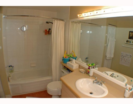 Photo 9: 105 1299 W 7TH Avenue in Vancouver: Fairview VW Condo for sale (Vancouver West)  : MLS(r) # V753278