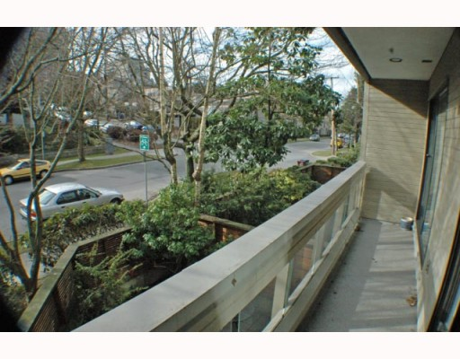 Photo 10: 105 1299 W 7TH Avenue in Vancouver: Fairview VW Condo for sale (Vancouver West)  : MLS(r) # V753278